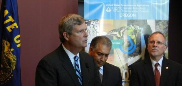 US Agriculture Secretary Vilsack visits Oregon