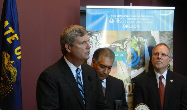 US Agriculture Secretary Vilsack visits Oregon