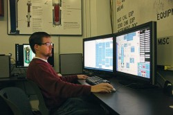 cos-to-watch-2014-nuscale-power-ryan-everett-test-facility-manger-as-control-600xx1000-667-0-0