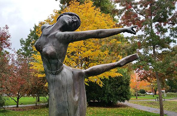 ballet-statue